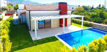 Bodrum Yalıkavak Kiralık Tek Katlı Havuzlu Villa