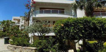 Bodrum Yalıkavak Denize Sıfır Sitede Satılık Villa